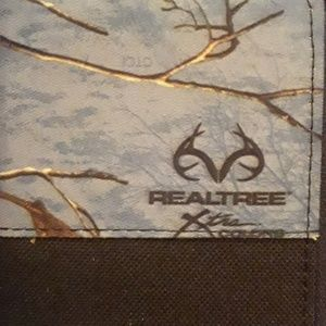 Realtree  Xtra colors clutch